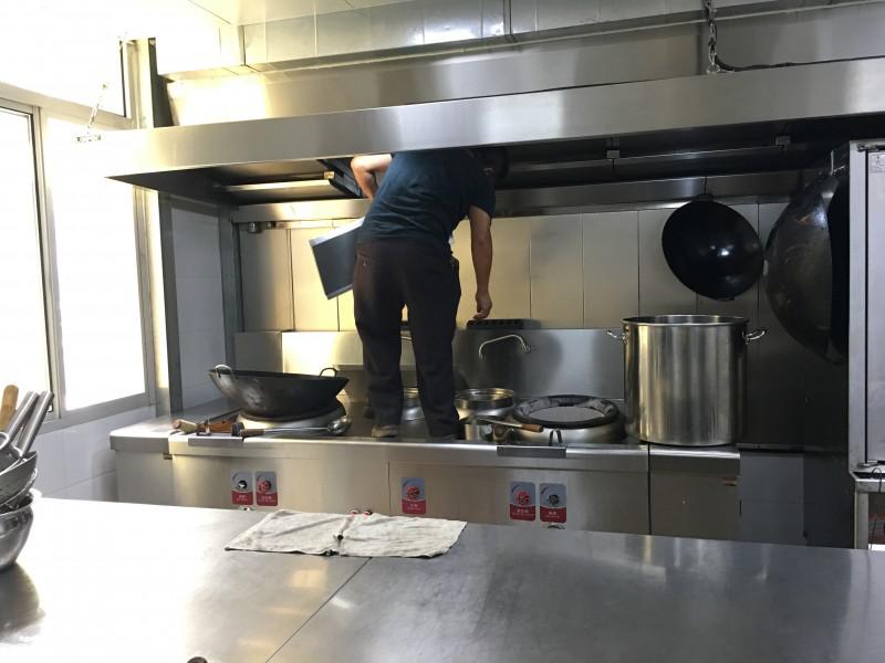 火头军厨房日记——酒店厨房设备要注意哪些细节?