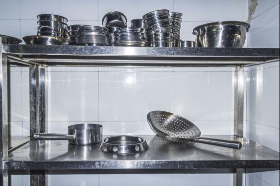 """商用厨房为何选择""""304不锈钢"""""""